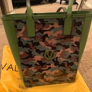 Authentic NEW Valentino camp hand bag